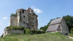 Château de Crissay - Français:   Château de Crissay-sur-Manse,  Indre-et-Loire, France, XVème siècle :donjon et chapelle en 2018
