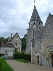 Eglise paroissiale Saint-Médard -  Dierre - Église/Church. 12 May 2007  The church in Dierre, France