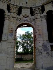 Ancien prieuré Saint-Léonard - Colonnade du Prieuré Saint-Léonard de l'Île-Bouchard, Indre-et-Loire