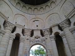 Ancien prieuré Saint-Léonard - Détail frise colonnade du prieuré Saint-Léonard de l'Île-Bouchard, Indre-et-Loire