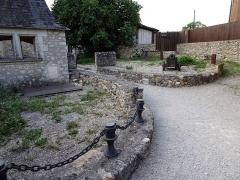 Site castral de Montbazon - Français:   Donjon de Montbazon.