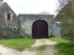Manoir du Pouët - Français:   Portail du manoir du Pouët à Preuilly, avec une porte cochère et l\'autre pour piétons.