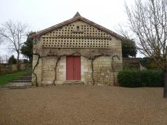 Maison de Rabelais, actuellement Musée de la Devinière - Français:   Pigeonnier du XVIIe siècle, comportant 288 boulins (nichoirs)