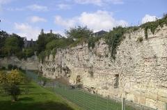 Enceinte romaine -  Vue de l'ancien Castrum de Caesarodunom IVe siècle.