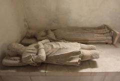 Eglise Saint-Gervais-Saint-Protais - Deutsch:   Couture-sur-Loir im Département Loir-et-Cher/Frankreich - Kirche von Couture, liegende Figuren der Eltern des Dichters Pierre de Ronsard.