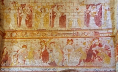 Eglise Saint-Genest - English:   Romanesque paintings in the church of Saint-Genest. In the upper register, red paint has been used to create vertical and horizontal lines in the style of \'false ashlar\', also known as \'fictive ashlar\'.