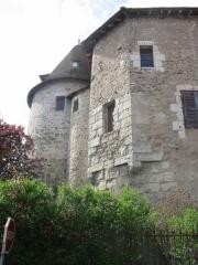 Restes de l'ancien prieuré - English: Prieuré Bénédictin XIIIème s.