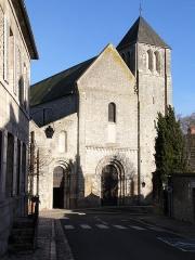 Eglise Notre-Dame -  Beaugency (Loiret, France): façade de l'abbatiale Notre-Dame
