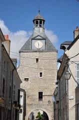 Tour dite de l'Horloge - Français:   Beaugency: la porte de la Tour de l\'horloge