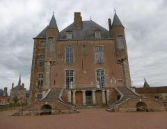 Ancien château - Château de Bellegarde (Loiret)