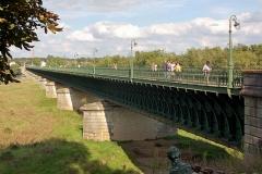 Pont-canal sur la Loire (également sur commune de Saint-Firmin-sur-Loire) - English: Seen from the west, showing the north side