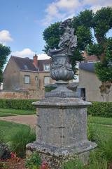 Château - English: Châteauneuf-sur-Loire