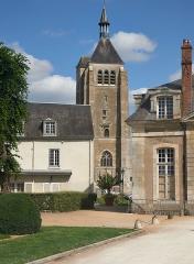 Eglise Saint-Martial - English: Église Saint-Martial de Châteauneuf-sur-Loire