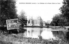 Château de la Motte -  Le château et le miroir, Château-Renard, Loiret, France