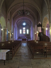 Eglise Saint-Etienne - English: Château-Renard, Saint-Étienne church - the nave.