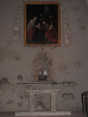 Eglise Saint-Etienne - English: Château-Renard, Saint-Étienne church. Autel in collateral chapel, south transept, east wall.