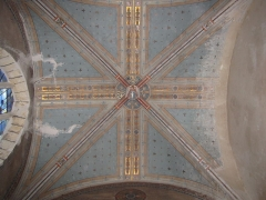 Eglise Saint-Etienne - English: Château-Renard, Saint-Étienne church. Collateral chapel, north transept, ornate ceiling.