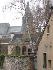 Eglise Saint-Pierre - Français:   Châtillon-Coligny, l\'église.