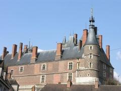 Ancien château, actuellement Musée international de la Chasse - Deutsch: Schloss Gien, Südecke