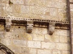 Eglise Notre-Dame -  frise de grotesques sur le clocher de l'église de Lorris dans le Loiret (France)