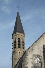 Eglise Saint-Martin - Deutsch: Katholische Pfarrkirche Saint-Martin in Malesherbes im Département Loiret (Centre-Val de Loire/Frankreich), Glockenturm