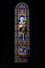 Eglise Saint-Martin - Deutsch: Katholische Pfarrkirche Saint-Martin in Malesherbes im Département Loiret (Centre-Val de Loire/Frankreich), Bleiglasfenster im Chor; Darstellung: Heiliger Martin