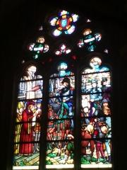 Eglise de la Madeleine - English: In St Madeleine church, Montargis, Loiret, Gâtinais, région Centre, France. Stained-glass window featuring Joan of Arc.