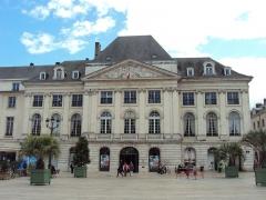Chambre de Commerce - English: Chambre de commerce et d'industrie du Loiret in Place du Martroi, Orléans