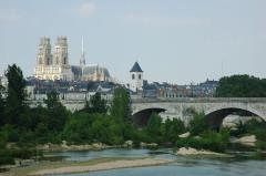 Pont George V -  France Loiret Orléans Cathédrale Sainte-Croix  Photographie prise par GIRAUD Patrick