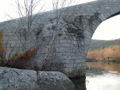 Pont de Spina-Cavallu sur le Rizzanèse (également sur commune de Sartène) - English: Ponti di Spin'à Cavaddu near Sartè, Corsica