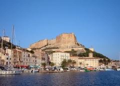 Citadelle - Italiano: porto di Bonifacio, Corsica, Francia,  www.panu.it/foto