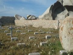 Cimetières militaires et stèle commémorative -  Cimetière des naufragés de la Sémillante (îles Lavezzi)