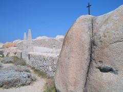 Cimetières militaires et stèle commémorative -  Semillante Cemetery - Lavezzi