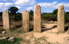 Alignements de statues-menhirs dénommés Rinaiu et I Stantare - Deutsch: Stanydale