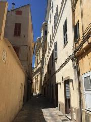 Eglise Saint-Jean-Baptiste -  rue menant à l'église Saint-Jean-Baptiste de Bastia (Haute-Corse)