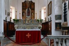 Eglise Saint-Jean-Baptiste -  Calvi, Balagne (Corse) - Maître-autel, gradins et tabernacle de l\'église Saint-Jean-Baptiste