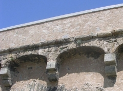 Pont de Ponte-Nuovo sur le Golo - English: Corbels made with the marble quarried in Corti, and arches made with limestone