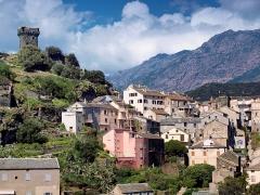 Tour de Nonza ou de Torra -  Nonza (Corsica) - Quartier de Caraggiu di Mezzu sous la Tour de Nonza