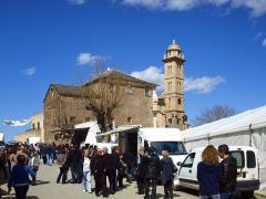 Eglise Saints-Pierre-et-Paul -  Piedicroce (Corsica) - Merendella du lundi pascal (fête locale) sur la place de l\'église