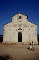 Eglise Sainte-Marie (ancienne cathédrale de Nebbio) -  Haute-Corse Saint-Florent Eglise Santa-Maria-Assunta Entree 071989