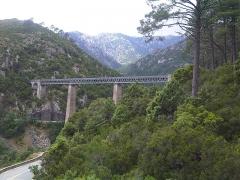 Viaduc sur le Vecchio ou pont Eiffel (également sur commune de Vivario) - English: Ponte di U Vechju - Bridge on the river U Vechju