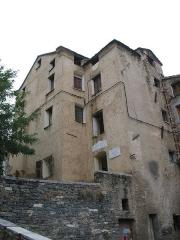 Maison Arrighi de Casanova -  Corte (Haute-Corse, France) - Maison au n°1 de la Place du Poilu (autrefois nommée