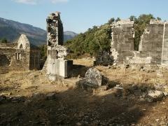 Site archéologique et substructions d'un sanctuaire primitif - Corsu: U battisteru rumànicu di Santa Maria Riscamone, Valle di Rustinu, Corsica 1