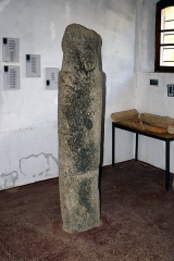 Eglise Sainte-Restitude -  Calenzana, Balagne (Corse) - Statue-menhir type