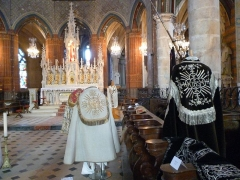Eglise Notre-Dame-de-la-Couture - English: 19th century copes in the church Notre-Dame de la Couture in Bernay (Eure, France).