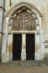 Eglise Notre-Dame-de-la-Couture - English: Portal at the western façade of the basilica Notre-Dame de la Couture in Bernay (Eure, France).