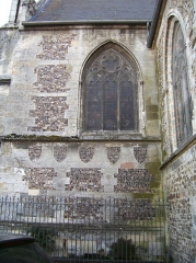 Eglise Sainte-Croix - English: Detail of the eastern façade of the church Sainte-Croix in Bernay (Eure, France).