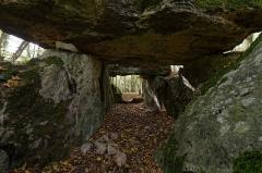 Allée couverte - Français:   Intérieur de l\'allée couverte de Dampmesnil (Eure, Normandie).