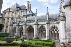 Cathédrale Notre-Dame -  Vue du cloitre de la cathédrale Notre-Dame d'Évreux // Evreux - Eure - France
