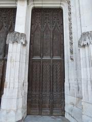 Cathédrale Notre-Dame - Détail de la porte du transept nord de la cathédrale d'Évreux.
